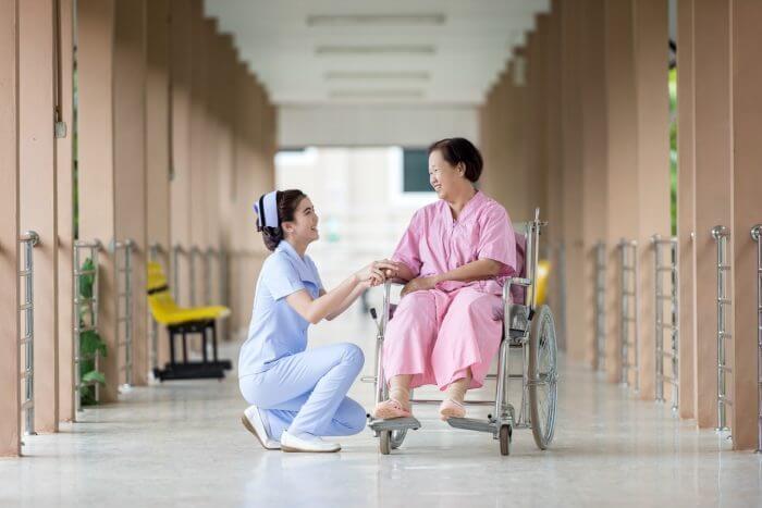 看護婦と患者